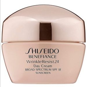 Shiseido SPF Benefiance WrinkleResist24 Day Cream